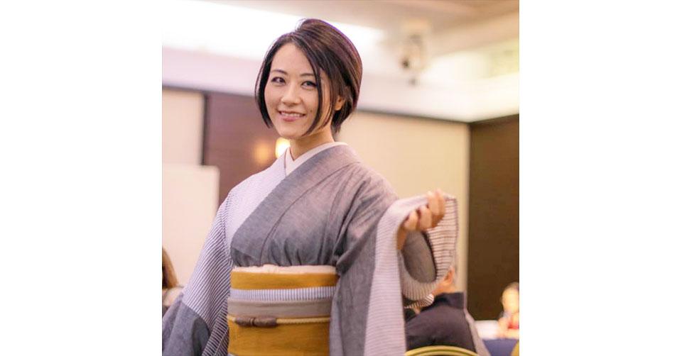 中里桃子さん